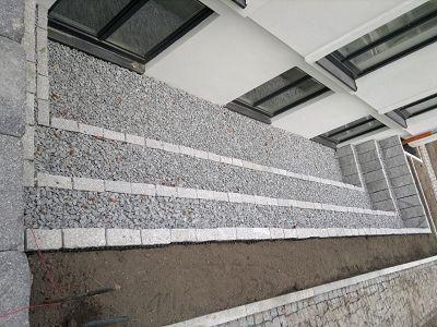 Lichthof aus Granit