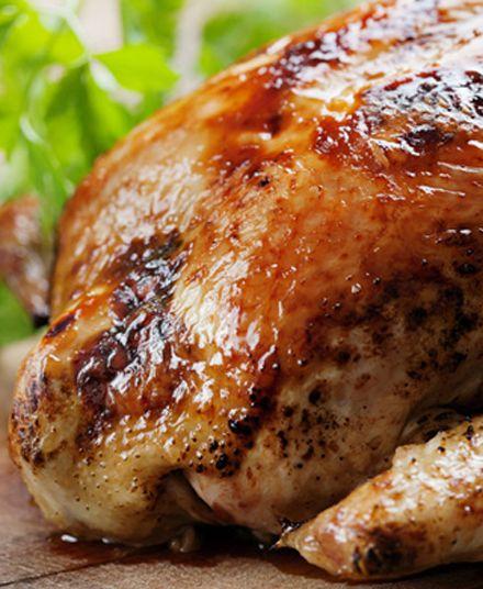 Pollo Asado  Nuestros pollos asados son preparados con especias y un toque único que solo La Doña puede darle… sin duda el mejor pollo asado del litoral.