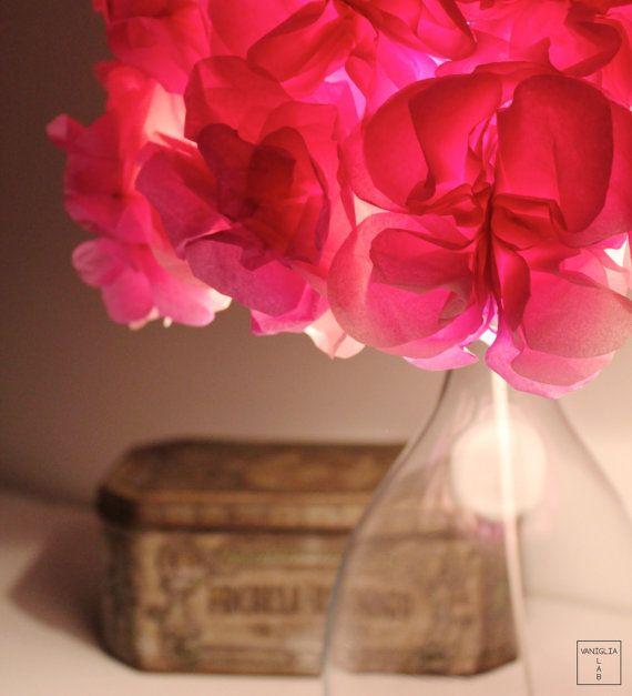 Lampada da tavolo rosa/ paralume fiori carta/ base di VanigliaLab