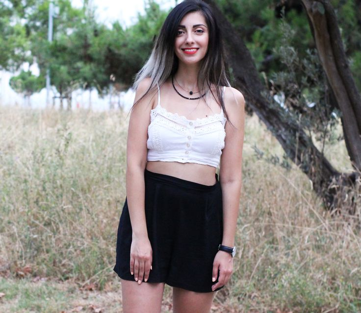 #high #waisted #shorts #black #and #white #blacknwhite #lace #crop #top #smile #outfit #look #casual