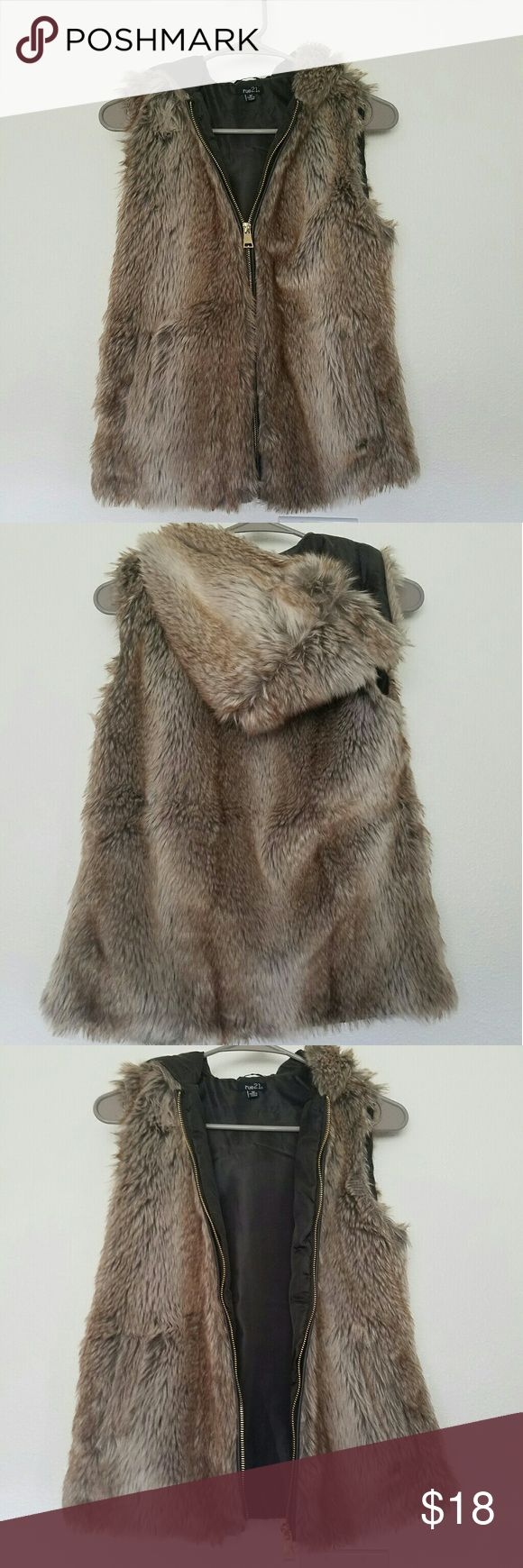 Rue 21 Fur Vest Brown fur vest with zipper. Pockets and hoody Brand: Rue 21 Size: Medium  Condition: Excellent condition, worn once Rue 21 Jackets & Coats Vests