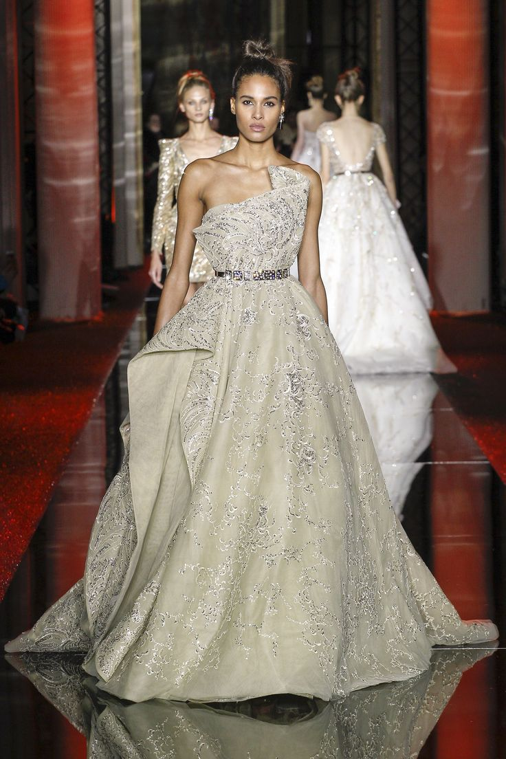 Zuhair Murad Spring 2017 Couture Collection Photos - Vogue