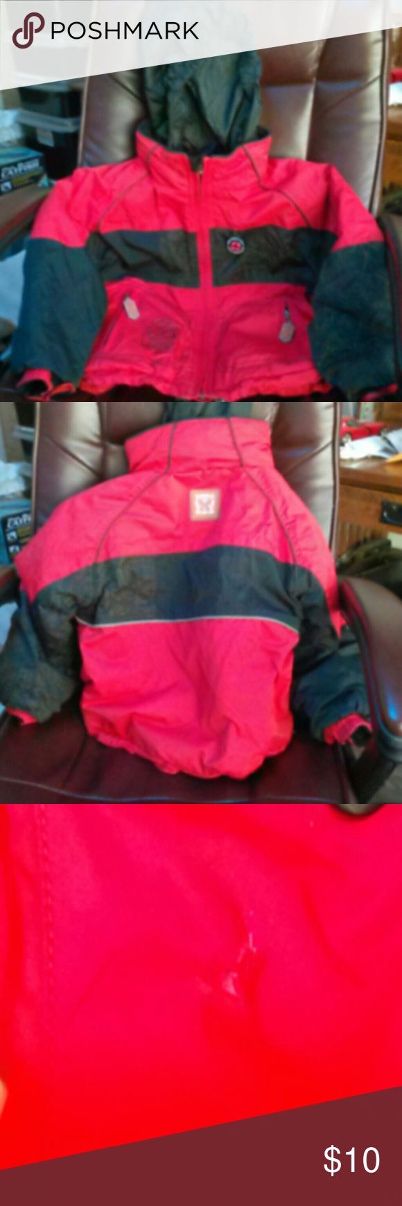 Kids snow jacket Kids used snow jacket size 5 very small tear in close up picture Obermeyer Other