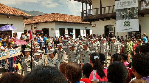 Marcha celebración de la independencia de Girón, Santander.