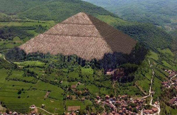 """legrégebbi piramis"" ?"