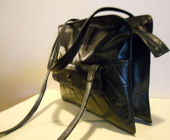 Vintage tas in zwart leer schoudertasje door HeavenlyVintageBags
