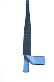 Square knit double face silk tie