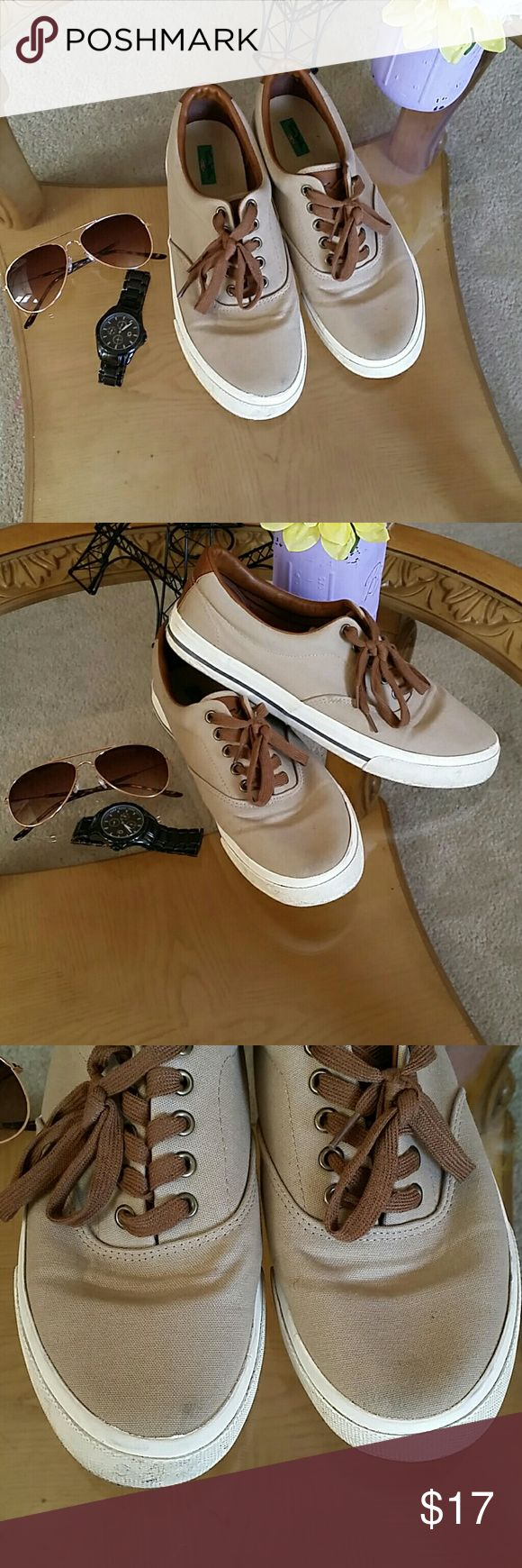 Men's Casual sneakers Men's Casual sneakers, size 9 Light brown, brown laces and creme bottoms. Used once last year for a wedding, good used condition. A little dirty in front (see pic 3) will clean before shipping. Great for everyday, work or outdoor weddings. Thom McAn Shoes Sneakers
