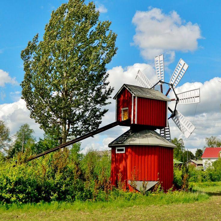 Perälän tuulimylly Jalasjärven Luopajärvellä.