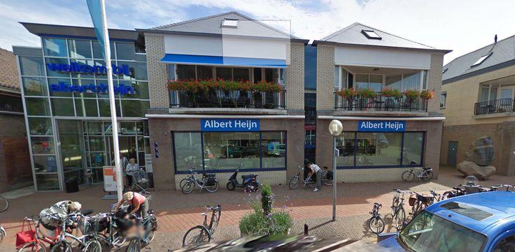 Wij zijn op zoek naar nieuwe collega's voor de functie van verkoopmedewerker. Als verkoopmedewerker bij Albert Heijn help je bij het lossen van de vrachtwagens en vul je de schappen. Je zorgt ervoor dat de winkel er verzorgd uitziet en je helpt klanten als zij een product niet kunnen vinden. Je doet dit samen met een team.  Lees verder op onze website.