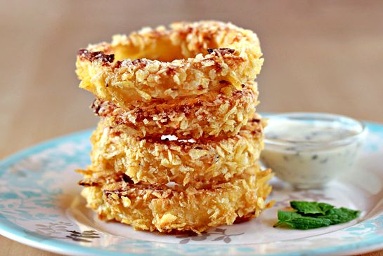 Oven Fried Onion Rings.....my hubs would love these!: Chips Crusts, Onion Rings, Sweet Potatoes Chips, Fries Onions Rings, Food, Ovenfri Onions, Ovens Fries Onions, Appetizers, Favorite Recipes