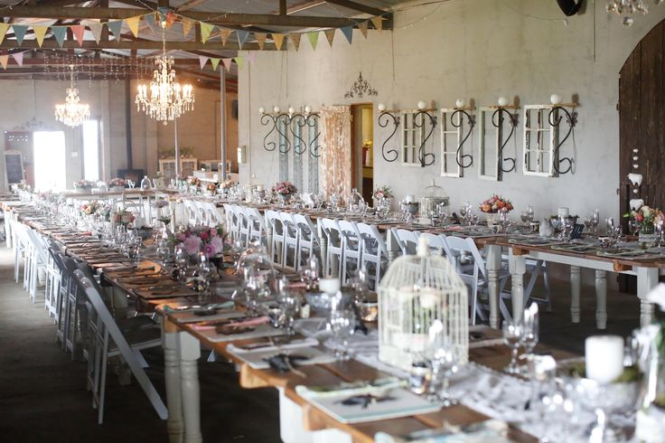 Long tables at a wedding at Makojalo_Venue. Photographer:  Spledid Productions