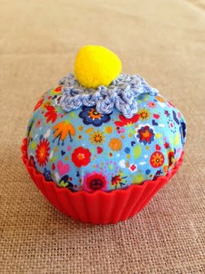 . Concha Branca ® .: Cupcake almofada de alfinetes