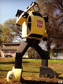 Do something unexpected today - visit some cool roadside attractions like this life size bumblebee replica along 41 in Fresno Cali