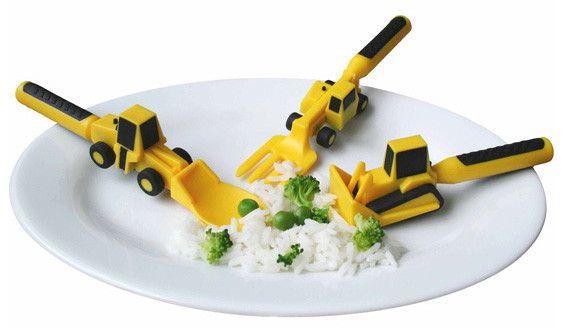 Forstadiet til bestik. Sjovt børnebestik som også er lettere at bruge for barnet. Læs mere om produktet på bloggen frubruun.dk