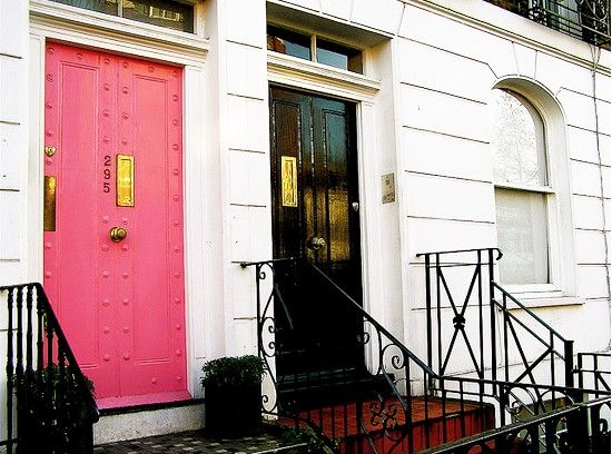 Pink front doorDecor, Doors Design, Black Doors, Painting Doors, Black White, Front Doors, Colors Doors, Doors London, Pink Doors