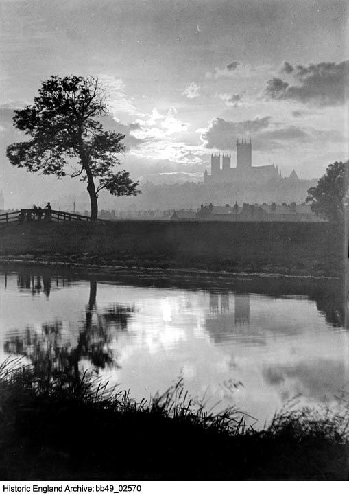 BB49/02570 A night time scene looking across the river from the south-east of Lincoln, with Lincoln Cathedral silhouetted against the sky.  Please click for more details or to search our collections.