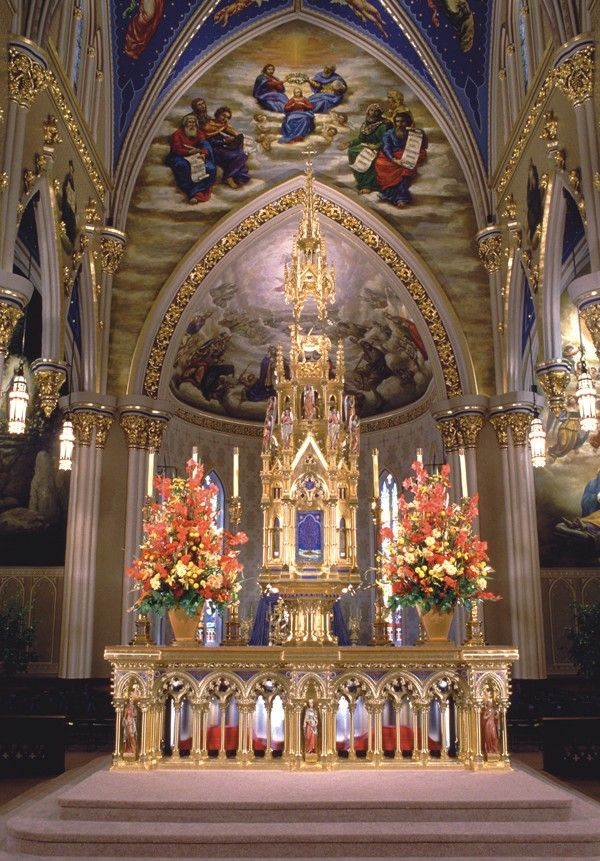 Altar, Basilica of the Sacred Heart, Notre Dame - Photo: Don Dubroff