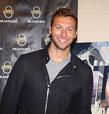 Ian Thorpe comes out of the closet.