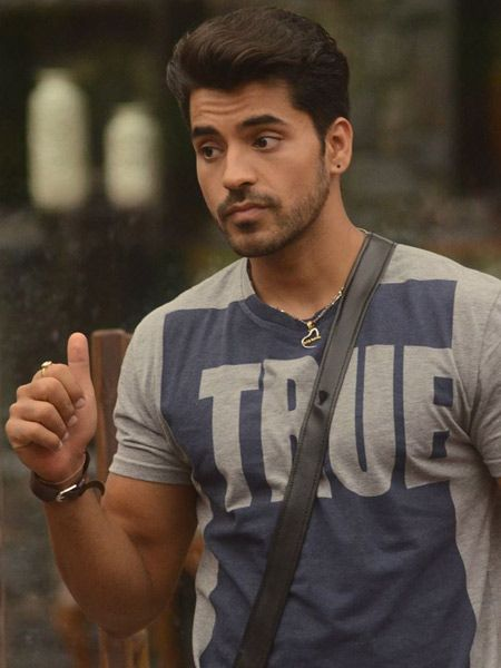 After watching the show we can say that Gautam Gulati is loyal to his fans and friends. Friendship of Gautam with puneet is a perfect example of it.