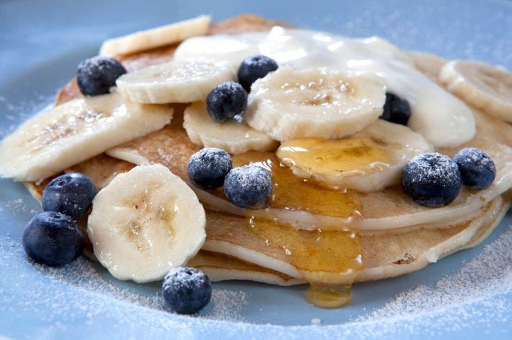 Banana-Berry Coconut Pancakes