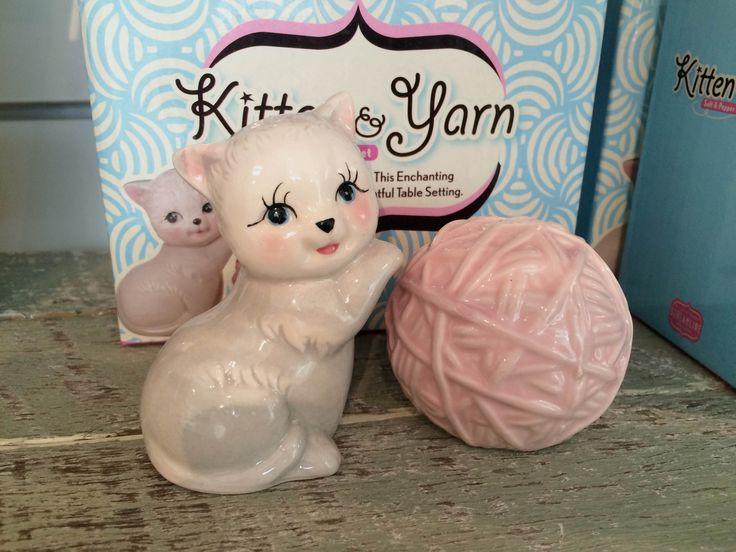 Isn't this the sweetest thing? // Kitten & Yarn salt and pepper shakers // Available at our QAG Artists and Writers store