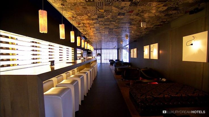 Wine bar - Carbon, #Genk, #Belgium #luxurydreamhotels http://www.luxurydreamhotels.com/en/hotels/Carbon.html