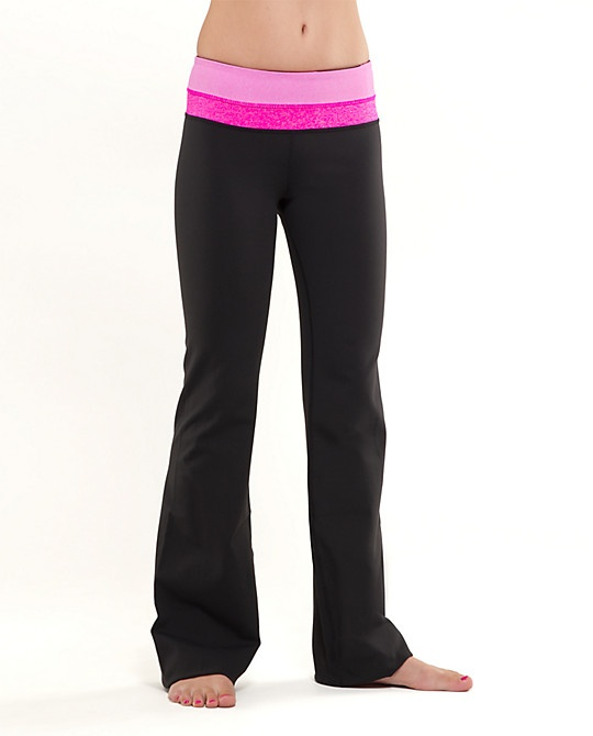 yoga pants: Lulu Pants, Favorite Pants, Lululemon Paris, Lululemon Yoga, Groove Pants, Lululemon Groove, Paris Pink, Lululemon Pants, Yoga Pants