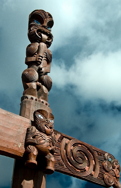 Maori carving at Hamilton Gardens.
