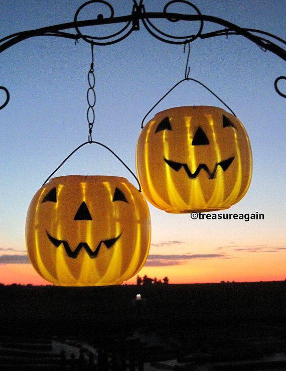 solar jackolanterns 2 pumpkin solar lights by treasureagain httpetsyme garden stakessolar - Halloween Garden Stakes