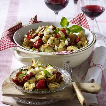 Italienischer Tortellini-Salat Rezept                                                                                                                                                      Mehr