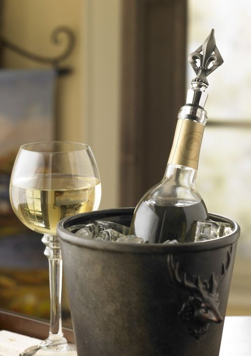 White wine that is light, refreshing and fruity.