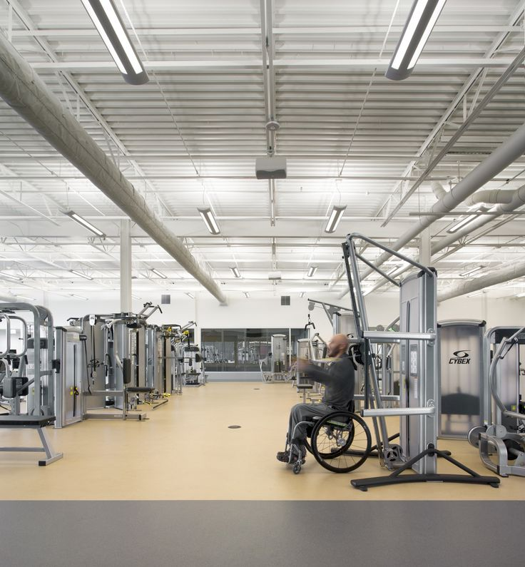 Gallery of Sport and Fitness Center for Disabled People / Baldinger Architectural Studio - 17