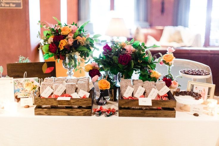 Tuscan in Tremblant — Full Bloom - guest favours - bud vases