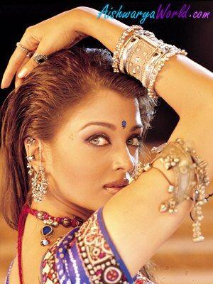 "Aishwarya Rai in ""Shakti"" (different contrast)"