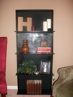 Found this website that has awesome ideas on what to do with old dresser drawers. I will be doing this with the old drawers that I almost threw away.