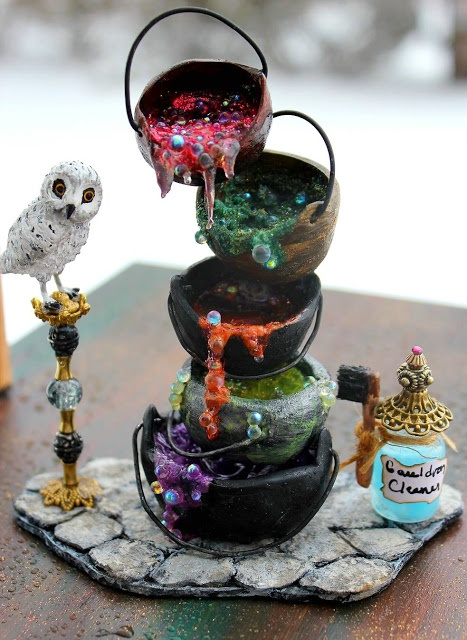 This is not a cake, it's a miniature BUT I bet @Julie Forrest Viens can make it a cake! CHALLENGE for you, Julie! <3