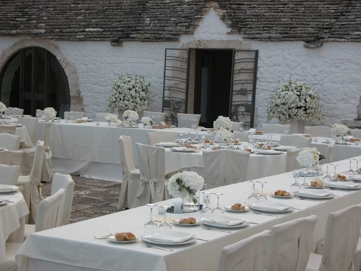 The satisfaction of the couple is our pride. <3 Contact us for your wedding or your dream. www.imonitilli.com     #wedding #apuliawedding #apulia #trulli #masseria #weddingideas