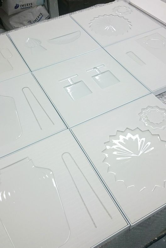 Amazing porcelain tiles which are our pride! Come to see and play the social game on Pairs In Squares Exhibition at Tokyo Design Week 2015.