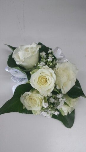 Spray rose and babies breath corsage