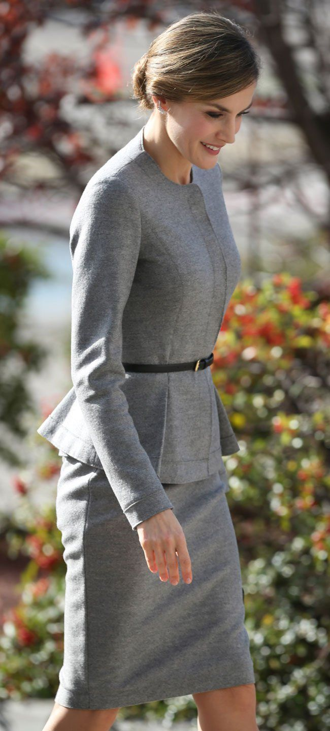 Queen Letizia. Grey cashmere suit (Carolina Herrera). Very French :)