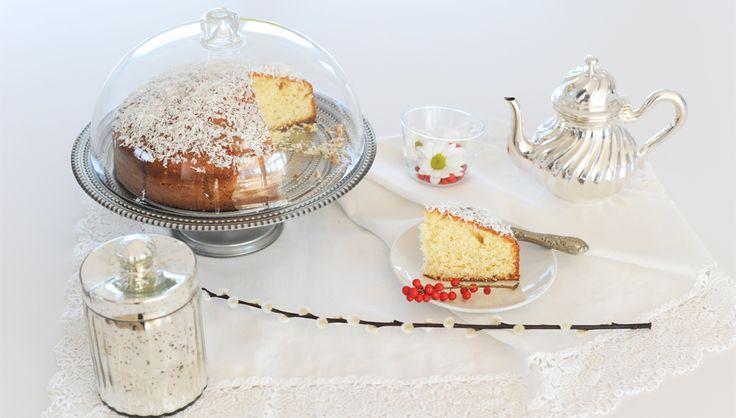 Una torta soffice e incredibilmente morbida. Una delizia perfetta per la colazione, merenda e reintegro che farà esplodere le tue papille gustative come fuochi d'artificio. Provala e te ne in…
