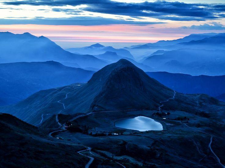 Cielos Azules montañas de Poetata, un lugar mágico lleno de una infinita gama de colores, tranquilo en donde se puede disfrutar de un paisaje  inigualable.