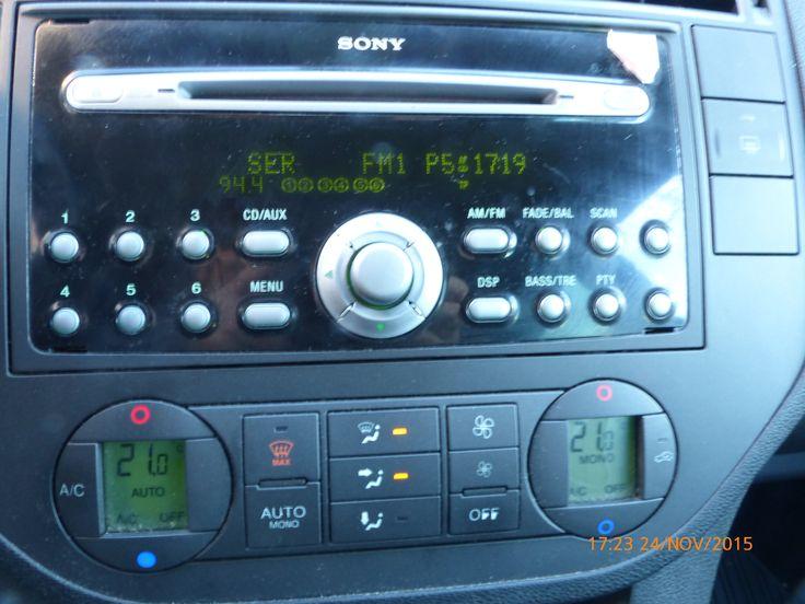 Comenzamos el día de trabajo. La radio es una buena compañera.