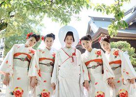 お引きずり姿にきゅん♡日本の伝統花嫁衣装「引き振袖」が美しい!