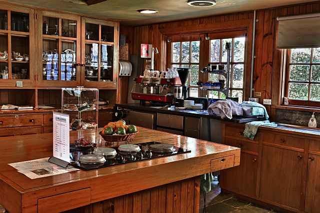 Visit Woodlands Homestead - Living Legends