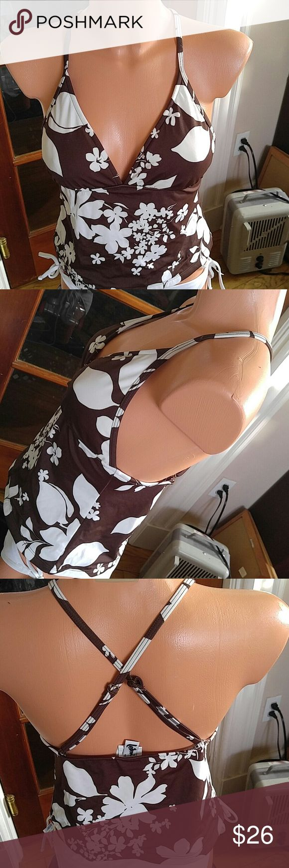 NWOT Brown & cream floral halter padded Tankini.10 Very tropical & classic. Cross cross back, adj length like a bra, built in pads, from Macy's overstock & prev seasons so great deals.  Mix & match w other pieces to save on bundles. Leilani Swim Bikinis