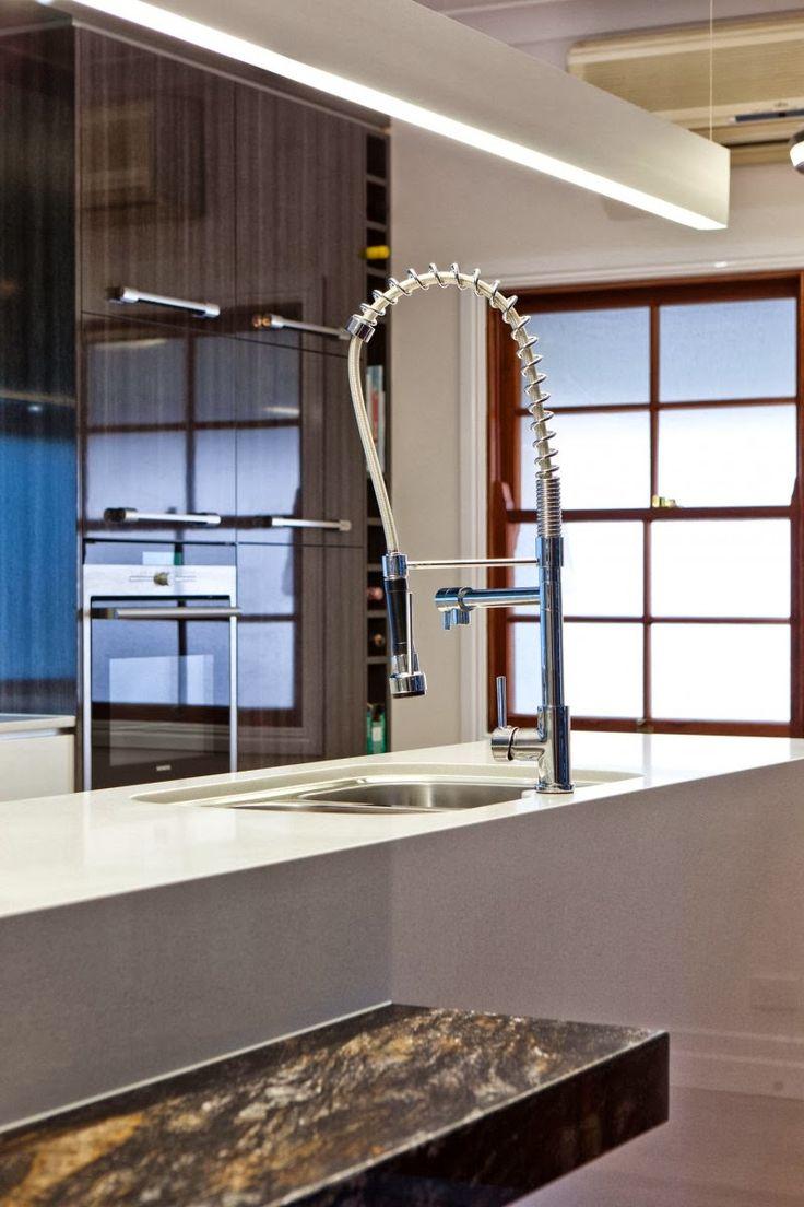 Arquitectura Interior Sublime ha terminado esta cocina remodelada de gama alta en el norte de los suburbios de Brisbane Queensland, Austral...