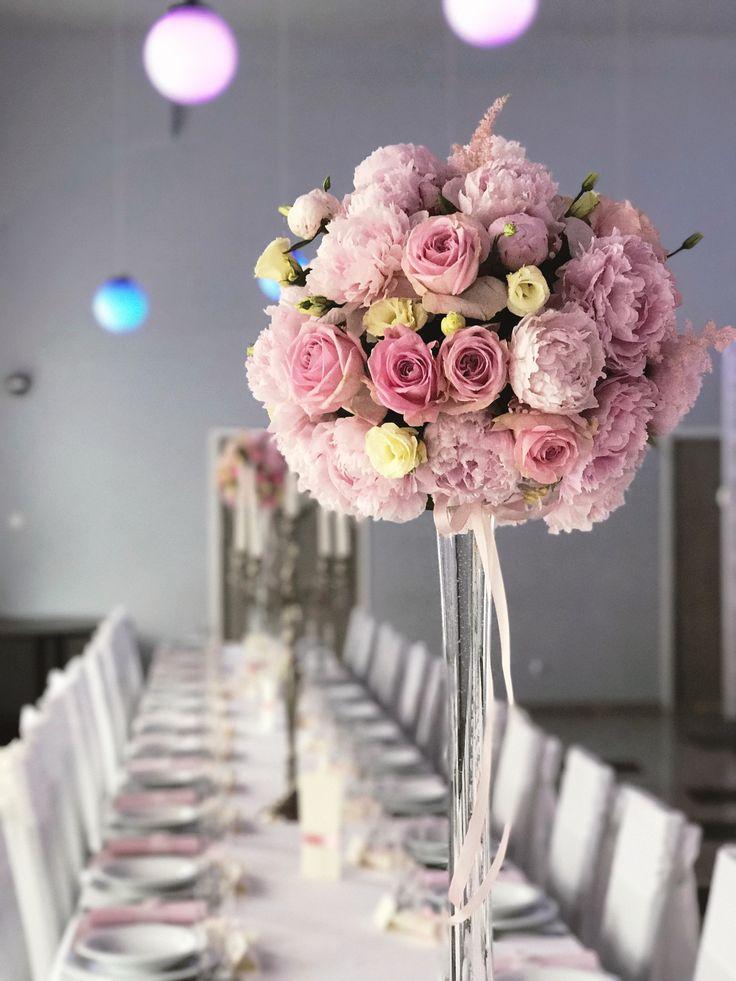 Bukiet na stół weselny z piwonii
