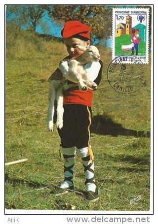 ANDORRE.  Enfant Andorran En Costume Catalan. Une Carte-maximum (écrite Au Verso) - Disfraces